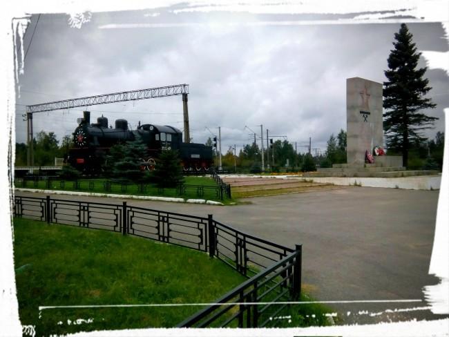 Паровоз Эм 721-83 на станции Петрокрепость
